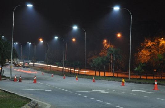 Philips Is Committed To Green Led Road Lighting