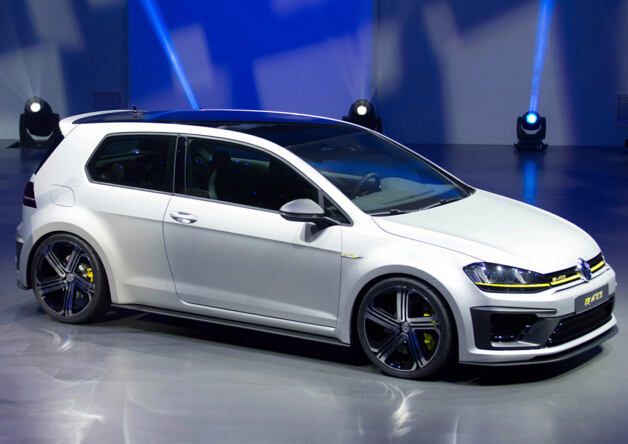 The new vw golf R400 support will be equipped with LED lamps