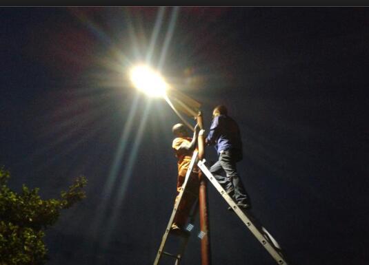 Solar LED street light installation considerations