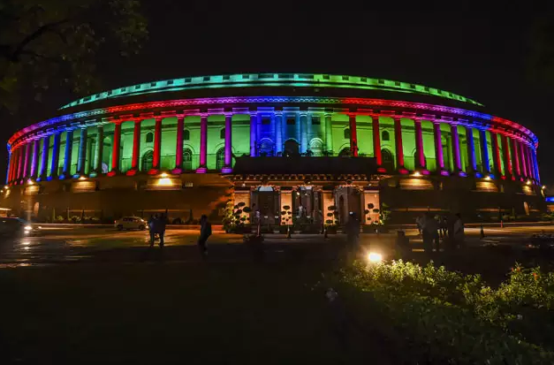 The Indian Parliament Building opens a new dynamic LED lighting system