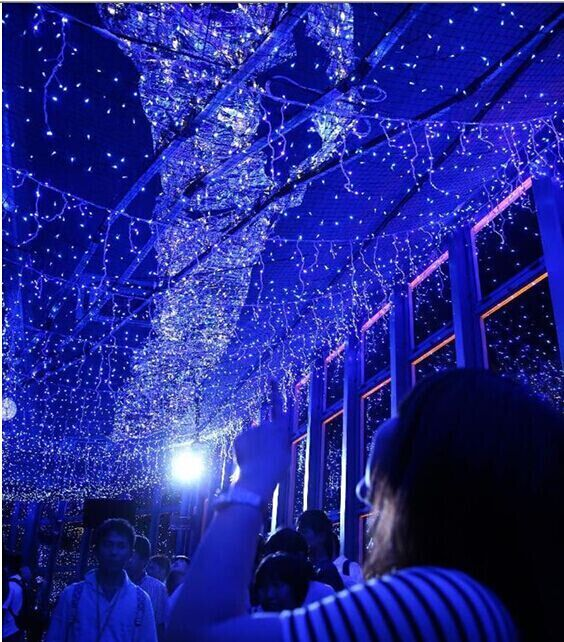 130 000 Led Lights On Tokyo Tower Creating A Blue Galaxy