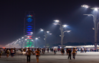 What are the factors that affect the price of LED light pole screens?